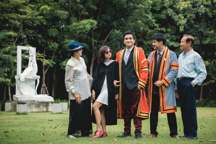 1-รูปครอบครัว.jpg